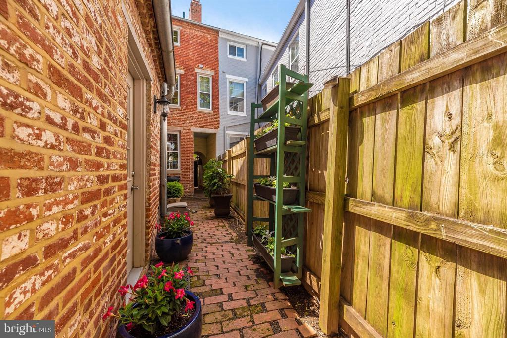 Step outside, walkway for easy street access - 137 W 3RD ST, FREDERICK