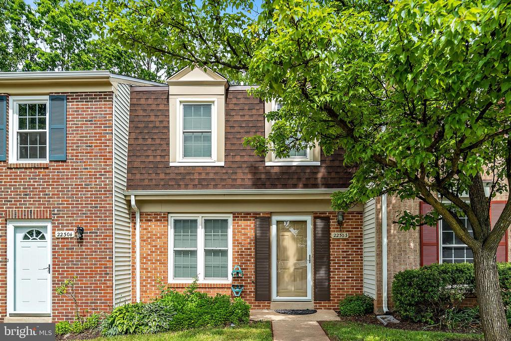 - 22303 MAYFIELD SQ, STERLING