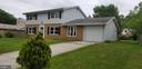 - 302 S LINCOLN AVE, STERLING