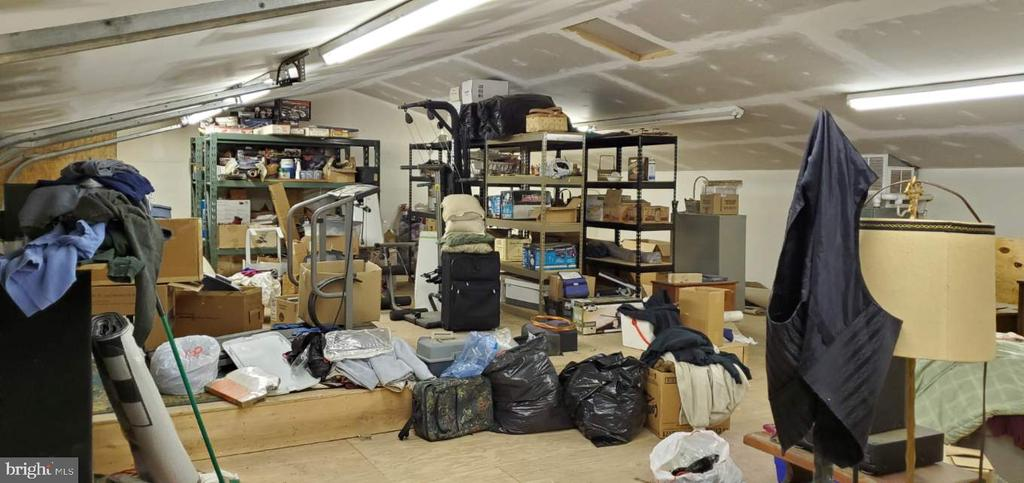 Big space over garage, plumbed,heated,cooled - 4327 EBENEZER RD, BLUEMONT