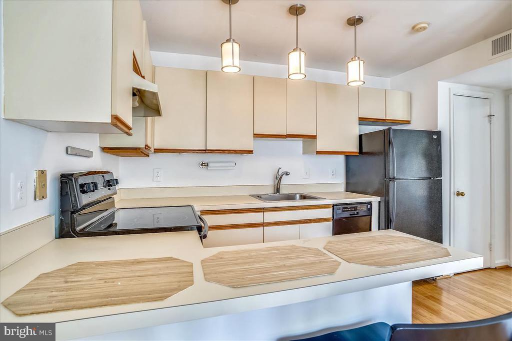 Open Kitchen - 1707 DEWITT AVE #A, ALEXANDRIA