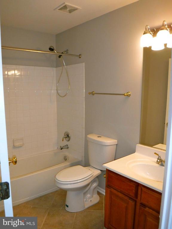 Full Bath, 2nd floor - 12062 ETTA PL, BRISTOW