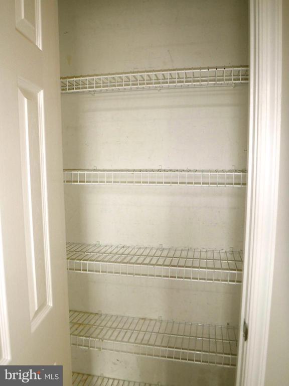 Kitchen pantry (adjacent to refrigerator) - 12062 ETTA PL, BRISTOW