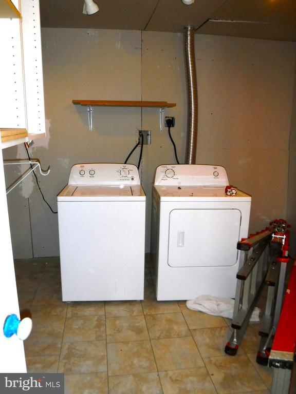 Large laundry room with lots of organizer storage - 12062 ETTA PL, BRISTOW