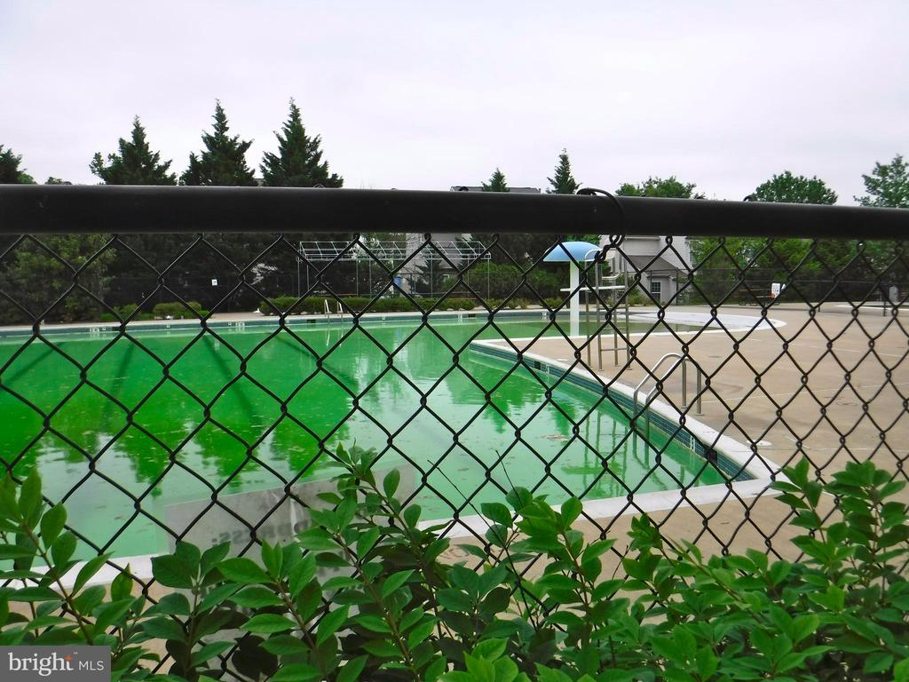 Outdoor pool less than 500 feet from Etta Place - 12062 ETTA PL, BRISTOW