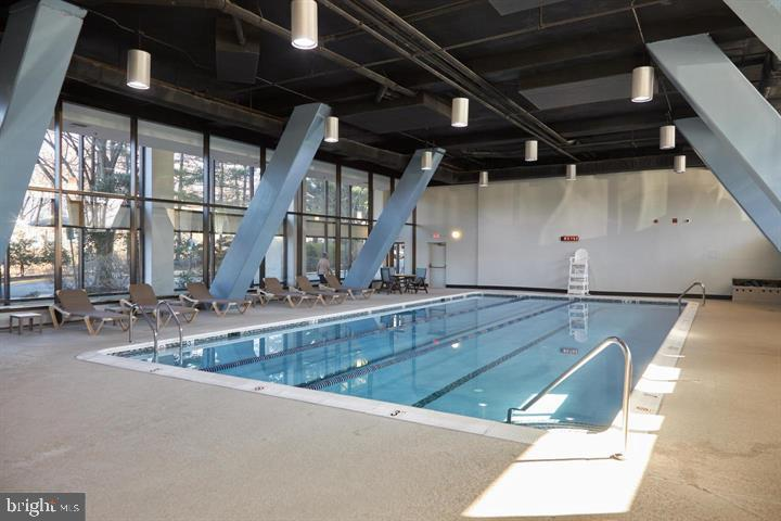 Expansive Heated Indoor Swimming Pool w Hot Tub - 3800 POWELL LN #PH 30, FALLS CHURCH