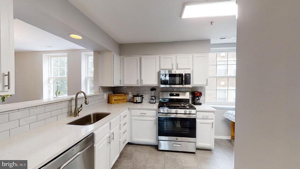 Bran new renovated kitchen - 2318 18TH ST NE #2318, WASHINGTON