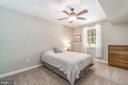 Lower level guest suite with English window - 5400 LIGHTNING DR, HAYMARKET