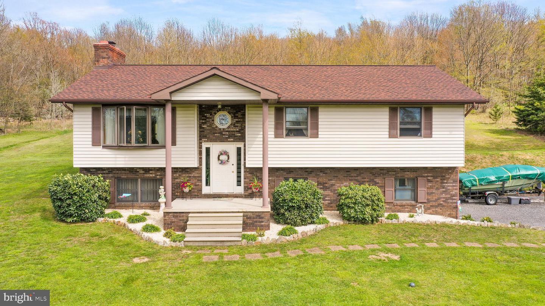 Single Family Homes για την Πώληση στο Frostburg, Μεριλαντ 21532 Ηνωμένες Πολιτείες