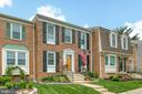 Look at this landscaping! - 12153 STALLION CT, WOODBRIDGE