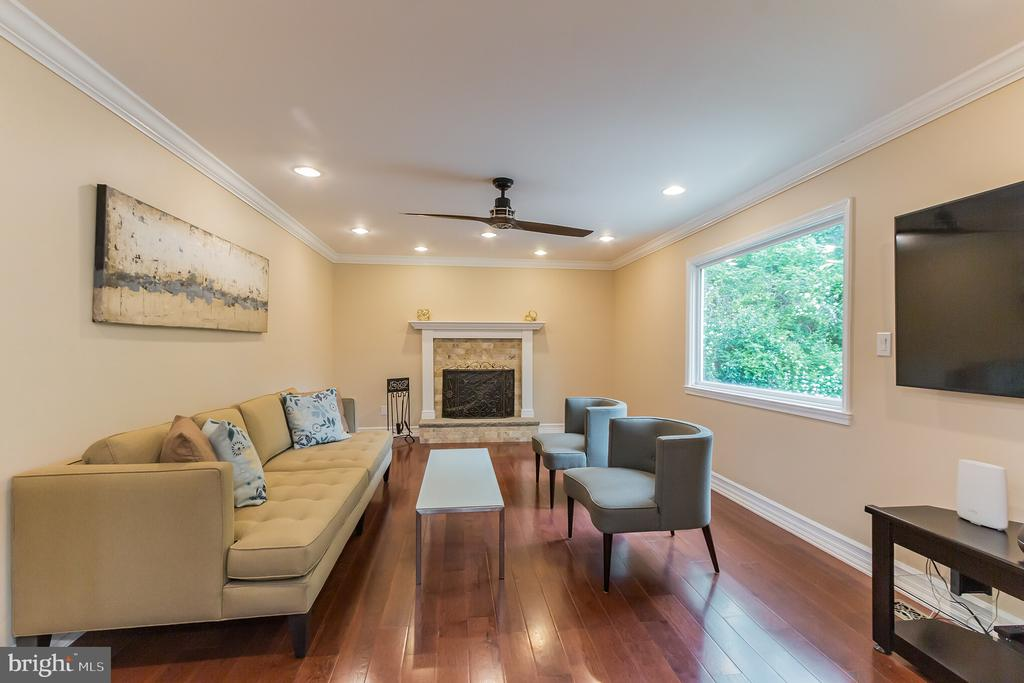 Light-filled Family Room w/Wood Burning Fireplace - 7613 DWIGHT DR, BETHESDA