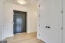 Elevator opens straight into unit! - 521 N WASHINGTON ST #201, ALEXANDRIA