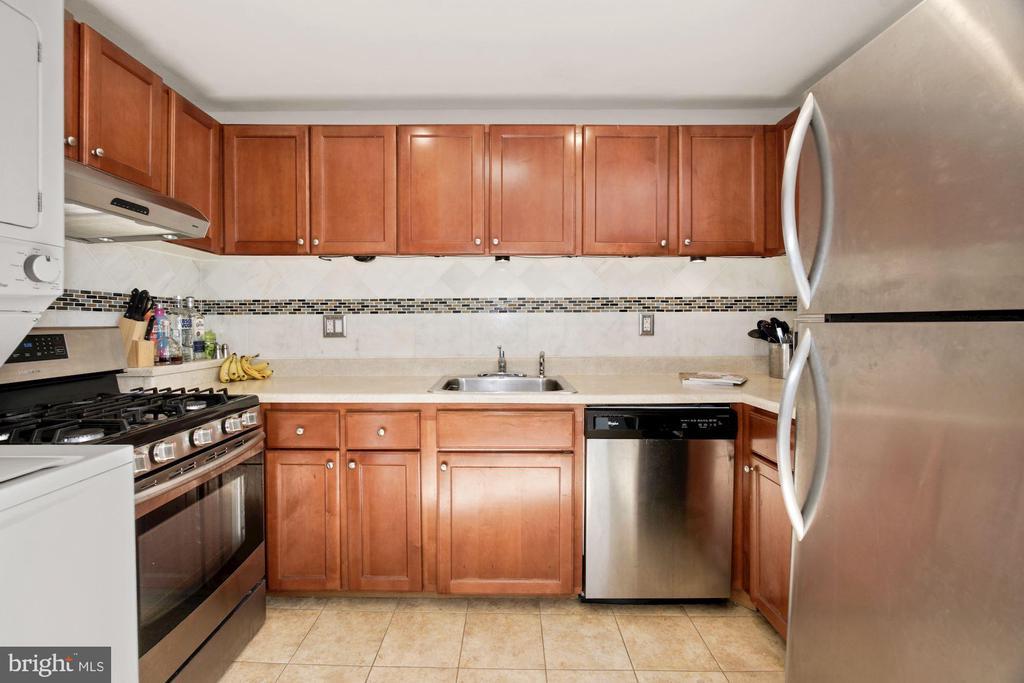 Kitchen (1 of 3) - 10100 LITTLE POND PL #1, MONTGOMERY VILLAGE
