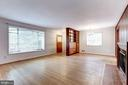 Large living area - 4625 EDGEFIELD RD, BETHESDA