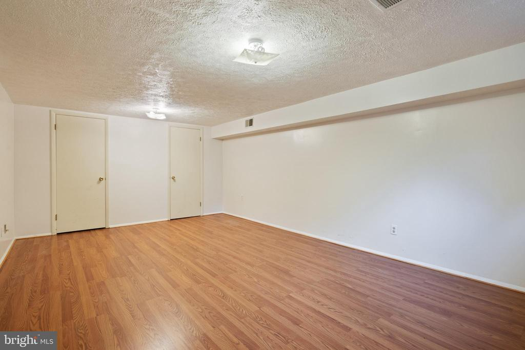 5th Bedroom in Lower Level - 16194 SHEFFIELD DR, DUMFRIES