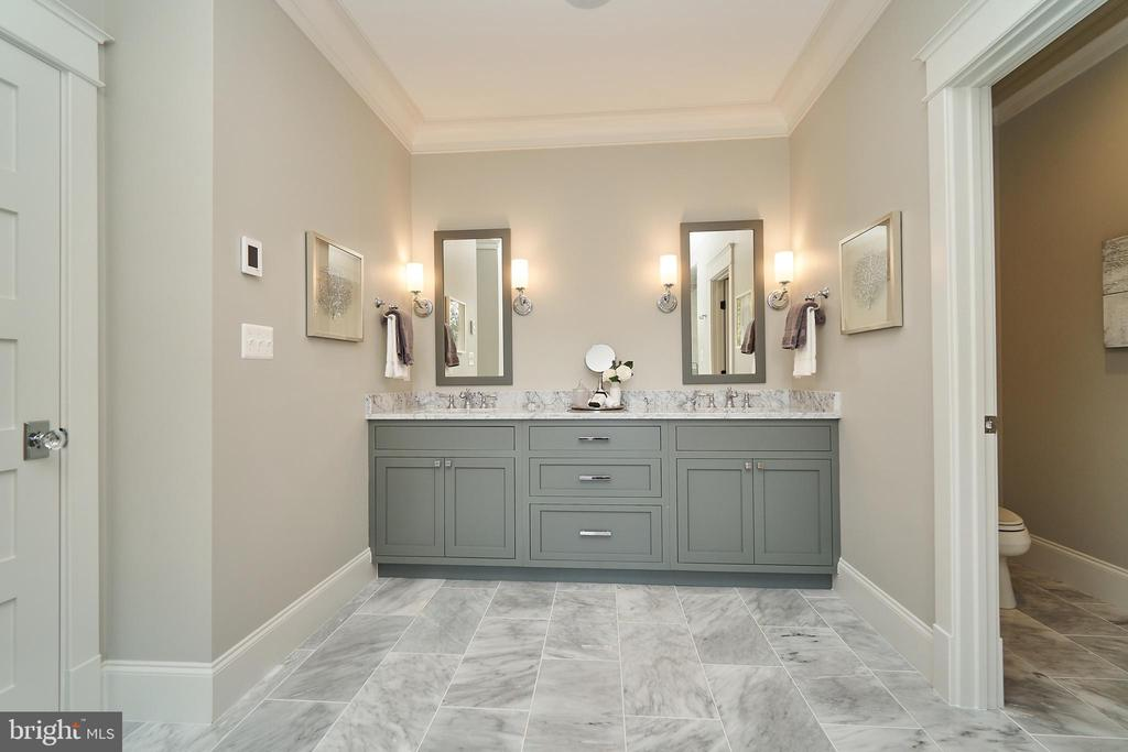 Master bath - Same model, different location - 3526 N OHIO ST, ARLINGTON