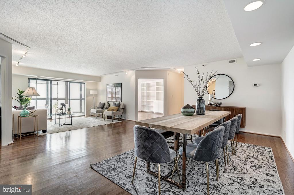 Open Dining and Living Area - 1600 N OAK ST #1010, ARLINGTON