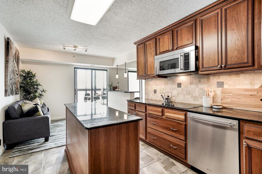 Kitchen into Flex Space/Breakfast Nook - 1600 N OAK ST #1010, ARLINGTON