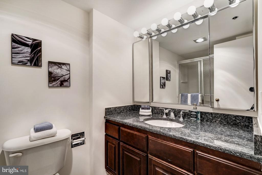 Second Full Bath - 1600 N OAK ST #1010, ARLINGTON