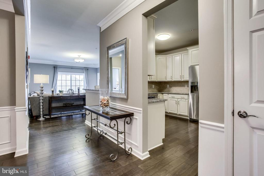 Kitchen Opens to the Great Room! - 20505 LITTLE CREEK TER #203, ASHBURN