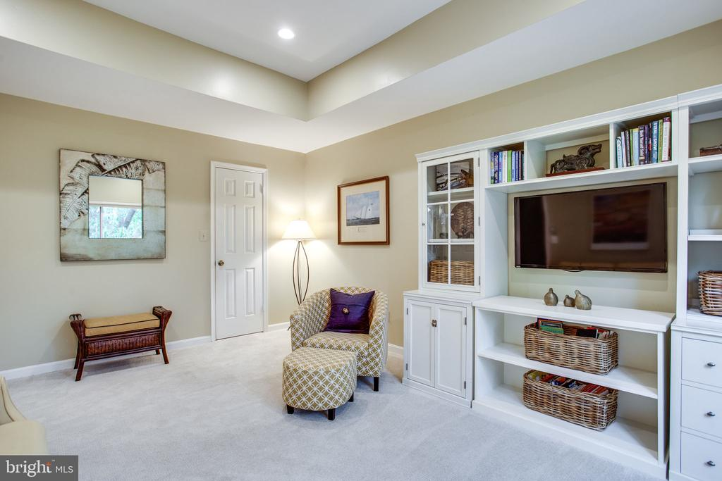 2nd Bedroom/Den w/Walk-In Closet - 11218 HARBOR CT, RESTON