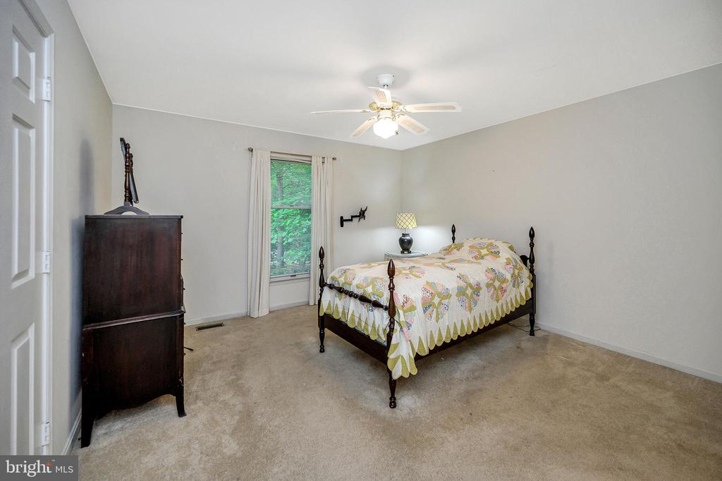 Master with privacy off the left hallway - 4617 LAKEVIEW PKWY, LOCUST GROVE