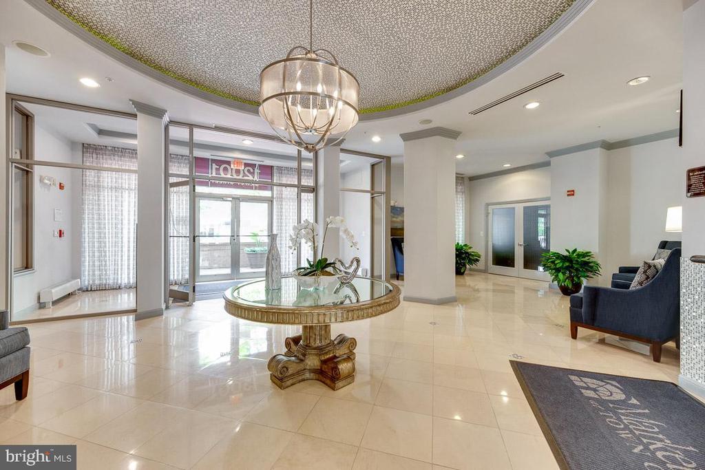 Main Concierge Entrance - 12001 MARKET ST #177, RESTON