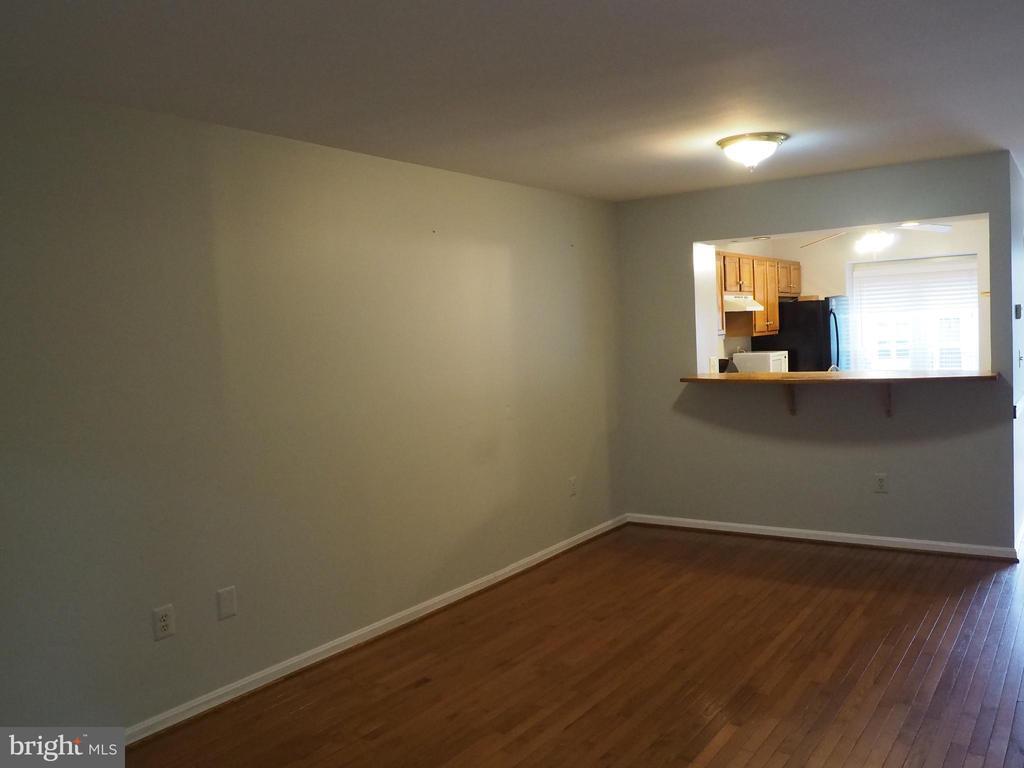 Living Room 3 - 3957 9TH RD S, ARLINGTON