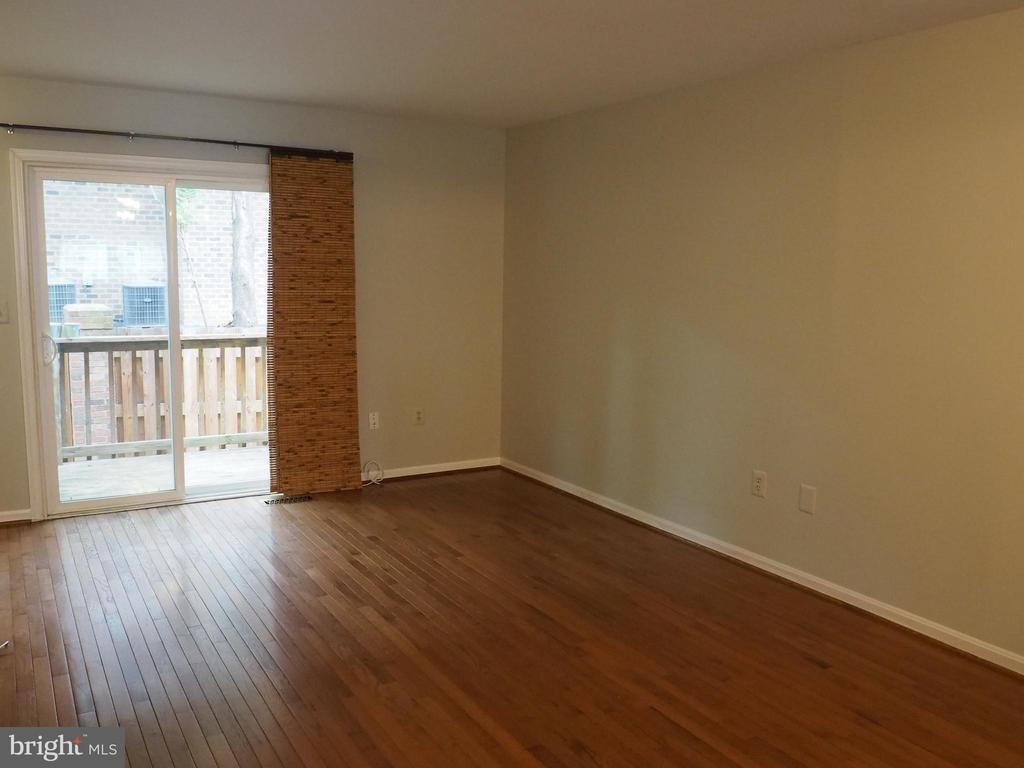 Living Room 2 - 3957 9TH RD S, ARLINGTON