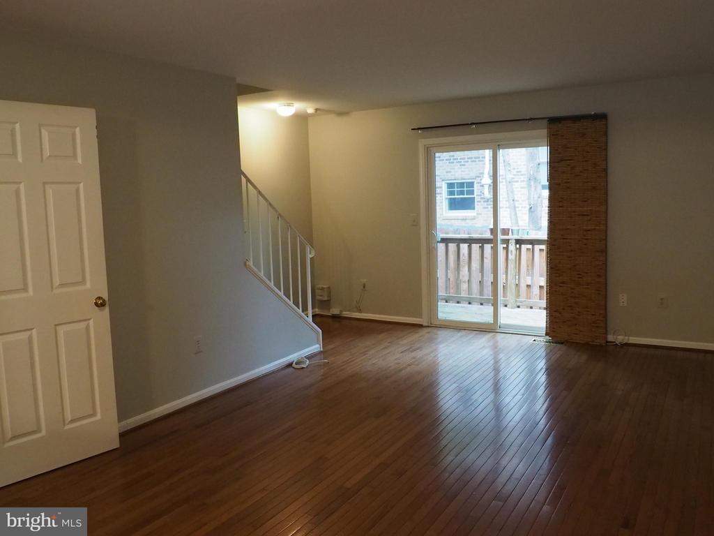 Living Room 6 - 3957 9TH RD S, ARLINGTON