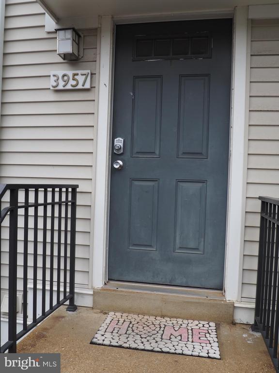 Front Exterior - 3957 9TH RD S, ARLINGTON