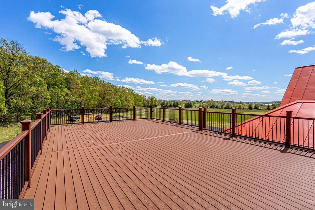 Deck - 43093 LUCKETTS RD, LEESBURG
