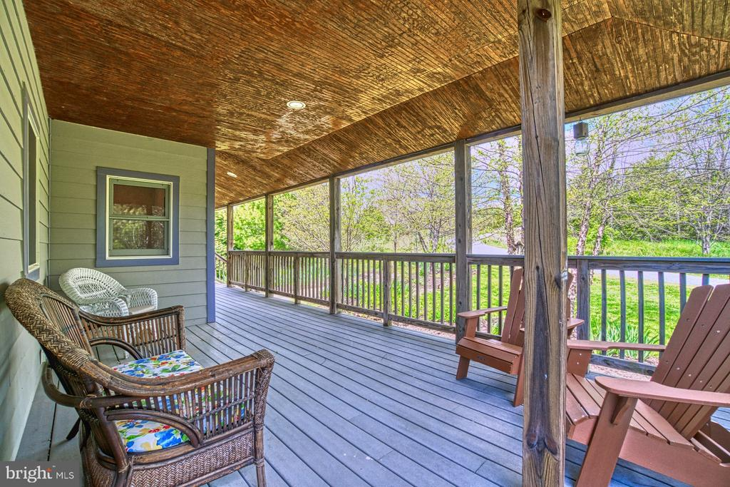 View from Front Porch, wraps around to Rear Porch - 40985 REDWING SONG LN, LOVETTSVILLE