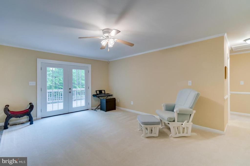 Deck off Living Room. - 1065 MOUNTAIN VIEW RD, FREDERICKSBURG