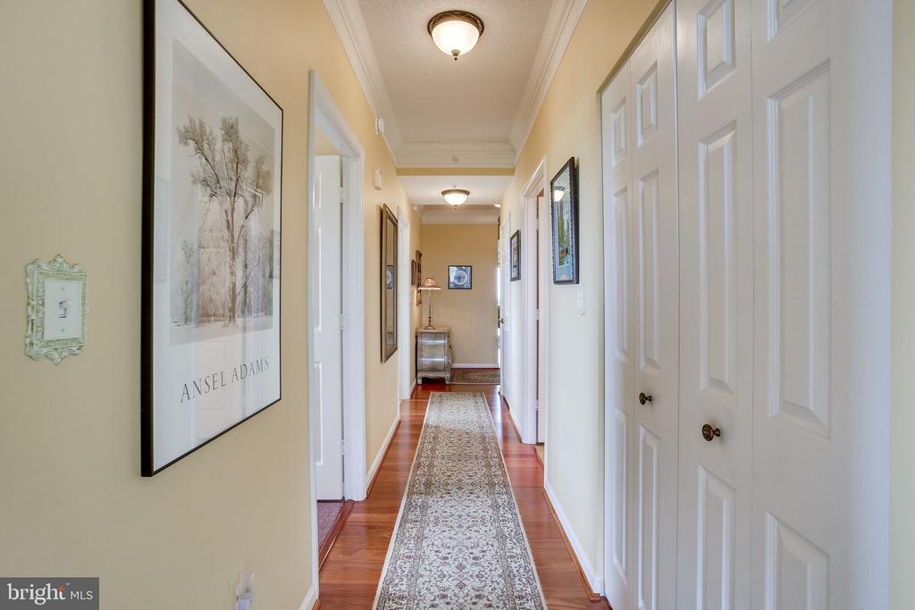 Hallway to bedrroms - 19355 CYPRESS RIDGE TER #1118, LEESBURG