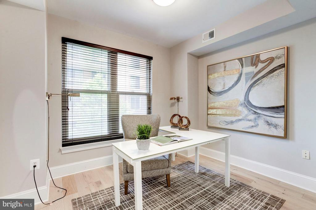 Your home office space - 4821 MONTGOMERY LN #303, BETHESDA