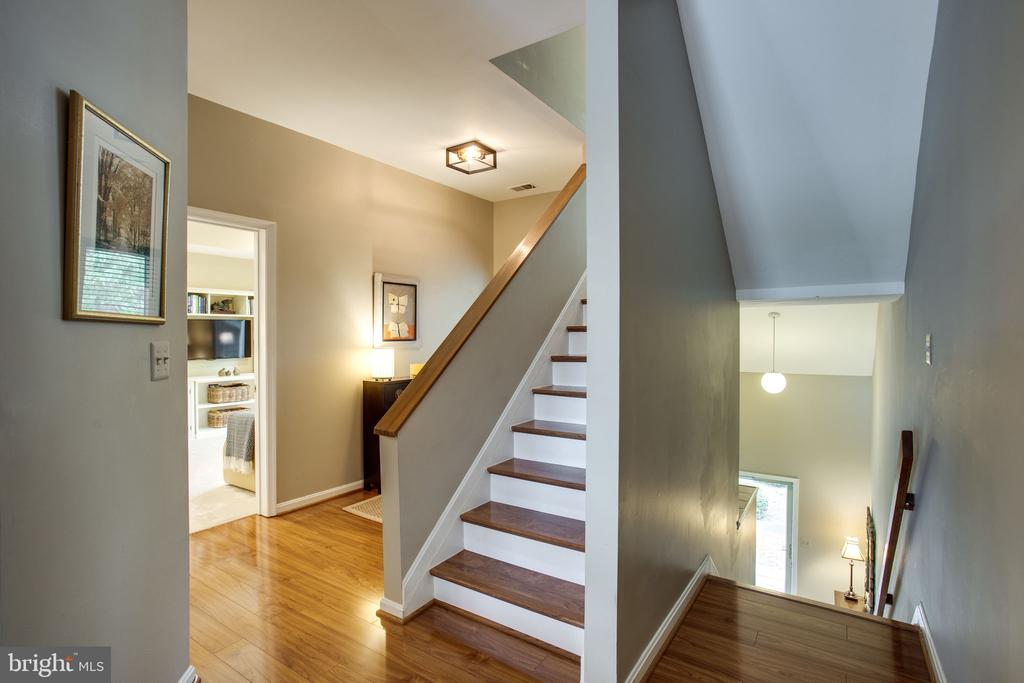Hall w/Stairs to Upper and Lower Levels - 11218 HARBOR CT, RESTON