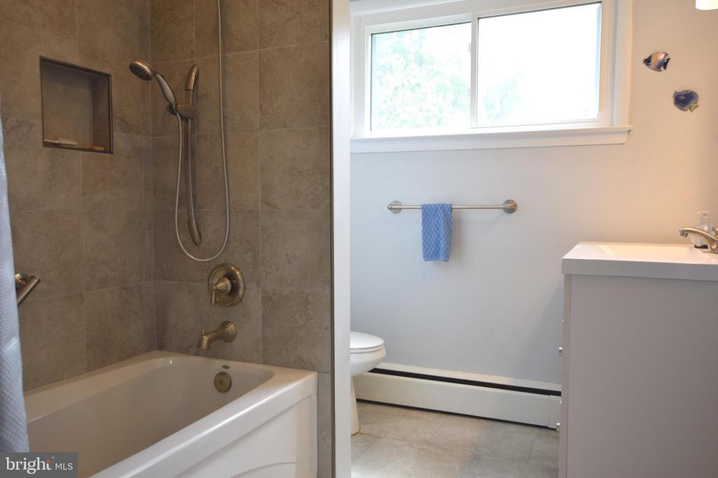 Ceramic Hall Bath - 3001 GILLIS FALLS RD, MOUNT AIRY