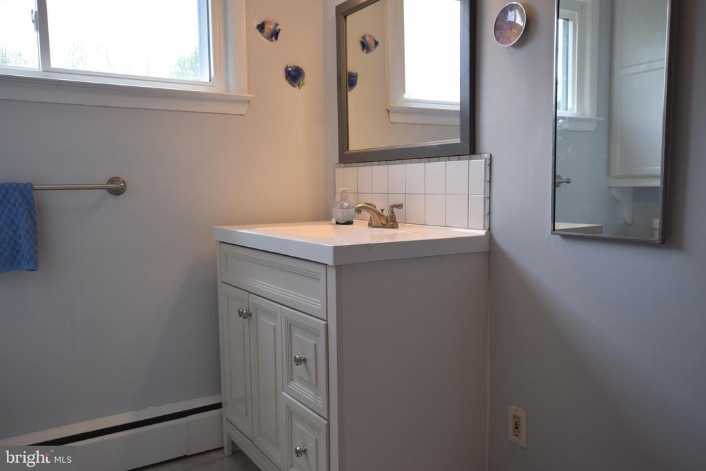 Hall Bath Vanity - 3001 GILLIS FALLS RD, MOUNT AIRY