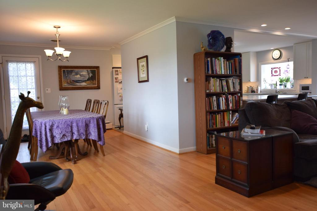 Dining Room & Family Room - 3001 GILLIS FALLS RD, MOUNT AIRY