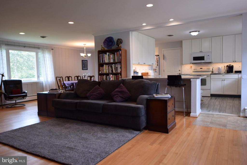 Family Room opens to Kitchen & Dining Room - 3001 GILLIS FALLS RD, MOUNT AIRY