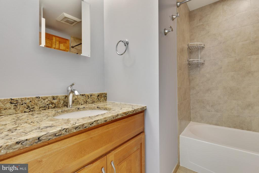 Second full bathroom - 11064 SAFFOLD WAY, RESTON