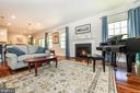 Wonderful flow throughout the home. - 9687 AMELIA CT, NEW MARKET
