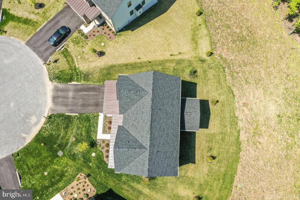 Property backs to woods. - 9687 AMELIA CT, NEW MARKET
