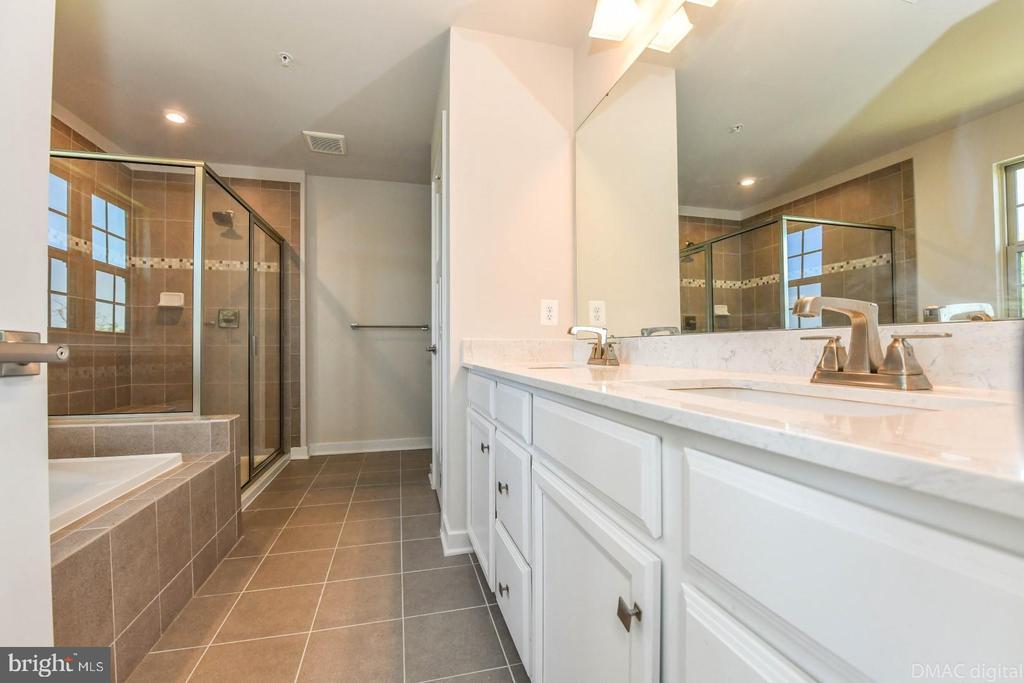 Master bath. - 9687 AMELIA CT, NEW MARKET