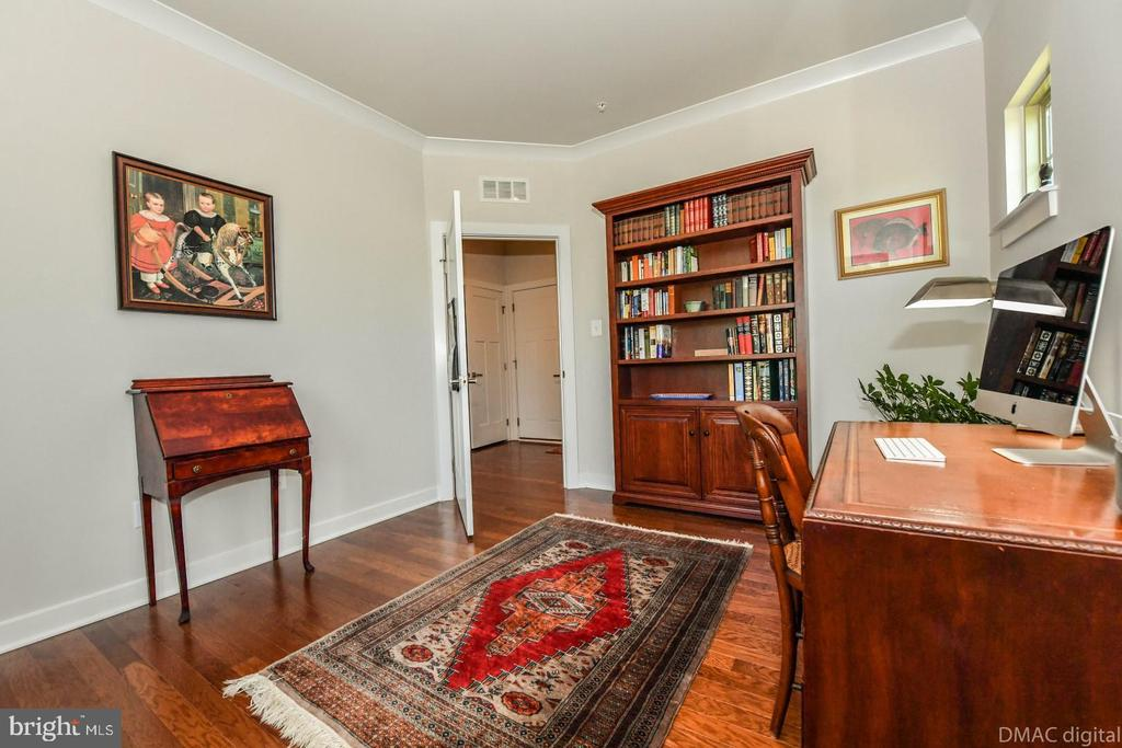 Or flex room. - 9687 AMELIA CT, NEW MARKET