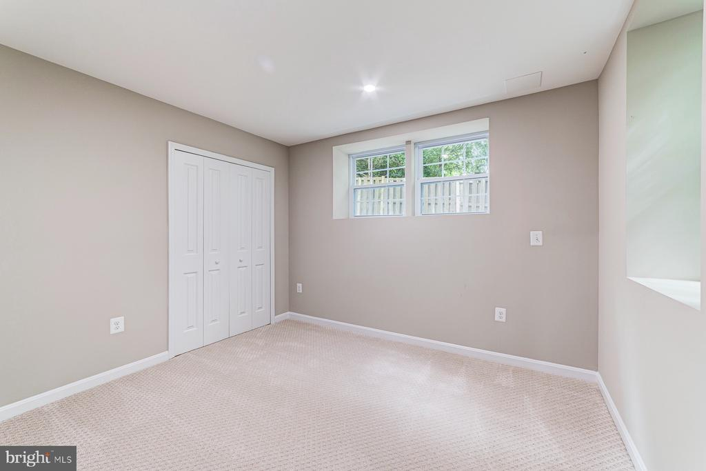 5th bedroom in the lower level - 5696 GAINES ST, BURKE