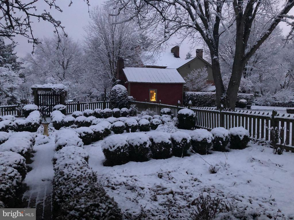 Winter view of the English Cutting Garden - 4105 WESTON DR, KNOXVILLE