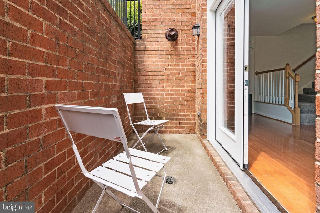 Cozy and Charming Terrace - 2665 PROSPERITY AVE #1, FAIRFAX