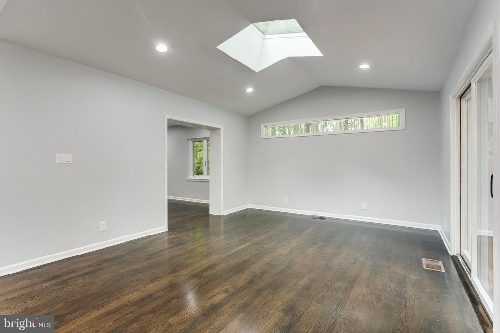 Great Room - 5125 37TH ST N, ARLINGTON